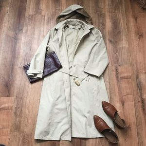 🧡Vintage Tan Trench coat